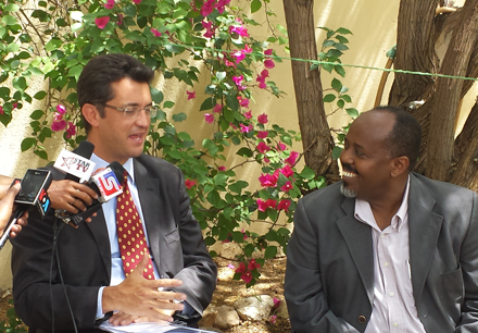 Michele Cervone d'Urso, EU Ambassador to Somaliland, and Jama Musse Jama, Director of the Hargeysa Cultural Centre, during the Ambassador's visit to the Centre in October 2014
